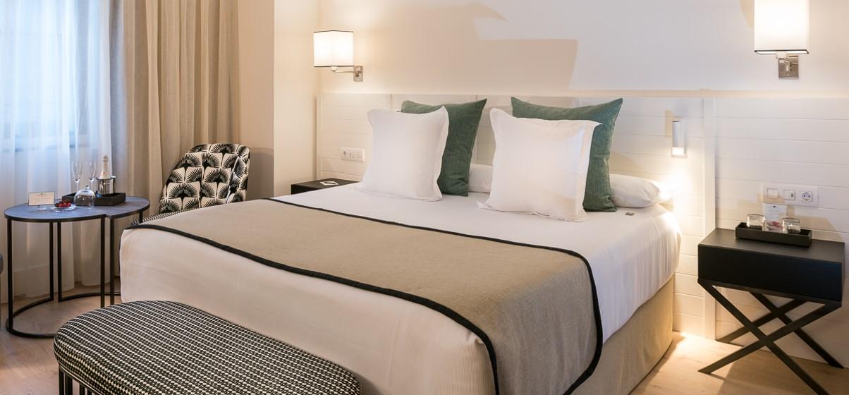 Doble est ndar habitaciones dobles hotel molina lario for Hoteles con habitaciones dobles comunicadas